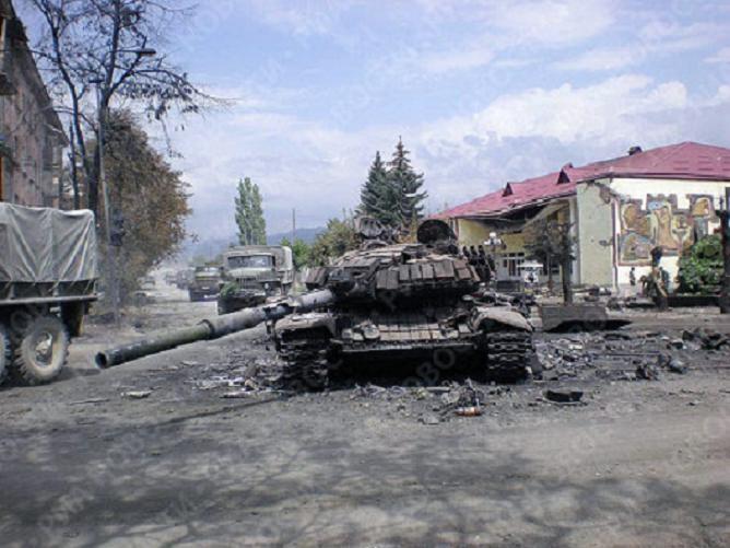 Донецкие ополченцы захватили экипаж одного из танков противника