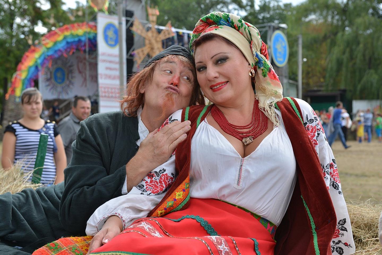 Сорочинская ярмарка без России и Донбасса – простой сельский базар с русофобской начинкой