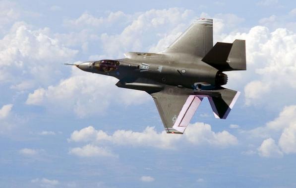 СМИ: Каждый истребитель F-35 обойдётся США дороже, чем равная ему по весу куча золота