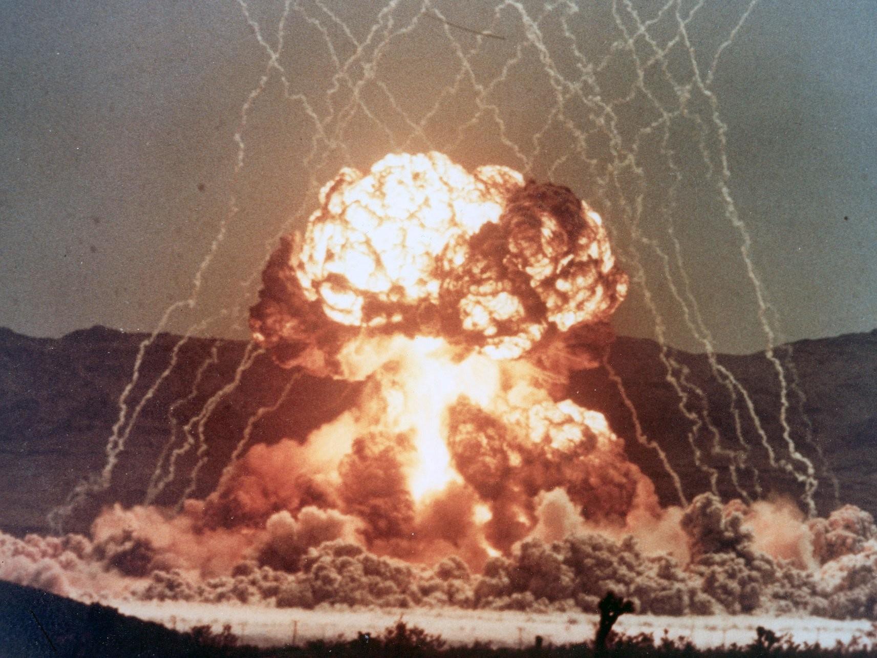 В США обнародовали секретные кадры ядерных взрывов